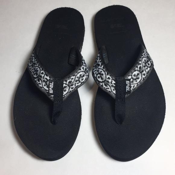 211caac2f5e Teva Shoes - Teva Mush ll Flip Flop Sandals Women s Size 7